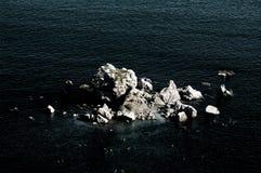 Mar y piedras Imagen de archivo libre de regalías