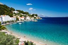 Mar y playa azules en Croatia Fotografía de archivo