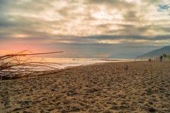 Mar y playa en invierno, Loano, Liguria Italia fotografía de archivo libre de regalías