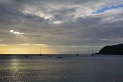 Mar y puesta del sol Fotos de archivo libres de regalías