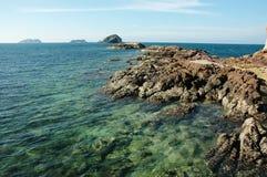 Mar y rocas Fotos de archivo