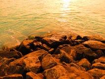 Mar y rocas Fotografía de archivo libre de regalías