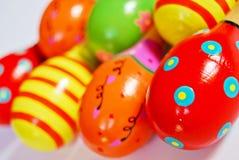 Maracas de madera coloridos del juguete Imágenes de archivo libres de regalías
