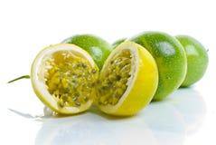 Maracuja - Passionsfrucht Stockfoto