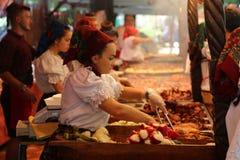 Maramuresan matfestival - romanian kokkonst Arkivfoton