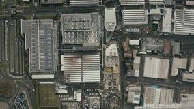 MARANELLO, ITALIË - DECEMBER 24, 2018 Luchttop down mening van Ferrari-complexe autofabriek stock videobeelden