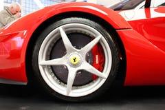 Maranello, Italia - 03 26 2013: coches deportivos Ferrari del objeto expuesto a del museo en el museo imagen de archivo