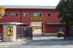 MARANELLO, MODENA, ITALIEN, JAHR 2017 - Ferriari-Fabrik, Eingang des historischen Gebäudes Stockbild