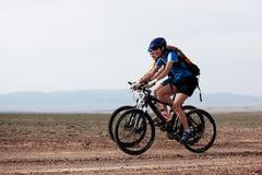 Maratón de la bici de montaña del resorte Fotos de archivo