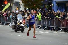 Maratón de 2017 NYC - Jared Ward Mens Elite imagenes de archivo