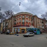 Ένα παλαιό κατοικημένο κτήριο στην οδό Marat σε Kramatorsk στοκ εικόνες