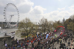 Marathon 2010 de Londres de Vierge et oeil de Londres Photos stock