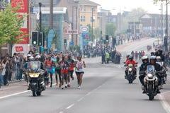 Marathon 2011 de Londres - athlètes d'hommes d'élite Image libre de droits