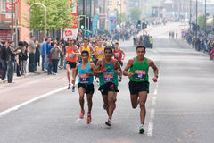 Marathon 2011 de Londres - athlètes d'hommes d'élite Photo libre de droits