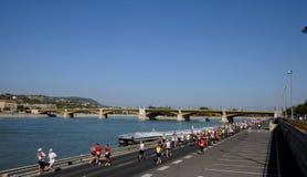 Marathon auf dem Donau-Damm in Budpest Stockbild