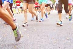 Marathon courant Images libres de droits