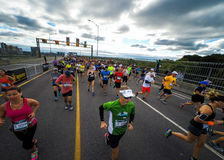Marathon De Montréal de la vue d'un taqueur photographie stock