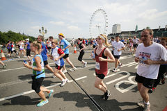 2013, marathon des Anglais 10km Londres Photographie stock