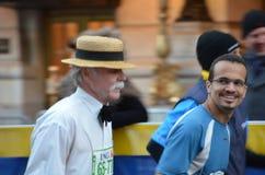 Marathon ist über auch smilling Lizenzfreie Stockfotografie