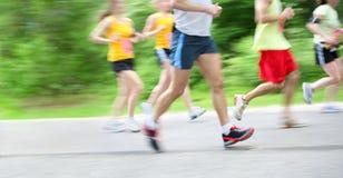 Marathon (motieonduidelijk beeld in camera) Stock Foto's