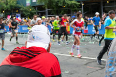 Marathon runners along first avenue in the NYC marathon 2016 Royalty Free Stock Photos