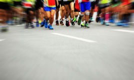 Marathonatleten het lopen stock afbeeldingen