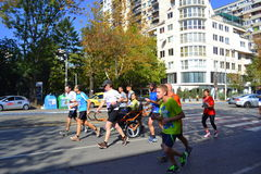Marathoners Sofia Bulgaria de fauteuil roulant Photo stock