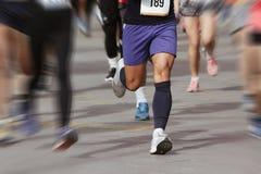 Marathoniens dans la course, abstraite Photo stock