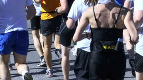 Marathonläufer stock video