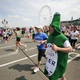 2013 maraton för britt 10km London arkivbild