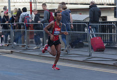 Maratona 2012 de Londres do Virgin - Asmerom Imagem de Stock Royalty Free