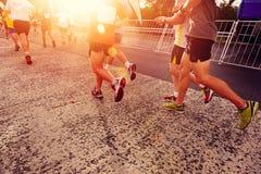 Maratona corrente della gente Fotografie Stock Libere da Diritti