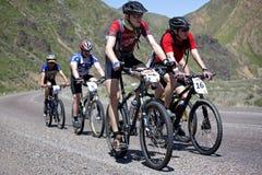 Maratona da bicicleta de montanha da aventura no deserto Fotos de Stock Royalty Free
