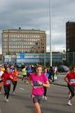 Maratona de Amsterdão, corredor dos povos   Imagens de Stock