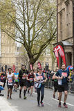 Maratona vergine di Londra dei soldi 24 aprile 2016 Immagini Stock Libere da Diritti