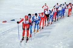 maratonen skidar Arkivfoto