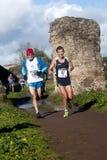Maratonlöpare i den Parco deglien Acquedotti Royaltyfria Bilder