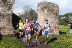 Maratonlöpare på 6 th Januari i Rome Fotografering för Bildbyråer