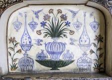 Marbel garnering av gravvalvet av Itimad-ud-Daulah eller behandla som ett barn Taj i Agra, Indien Royaltyfri Bild