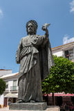 MARBELLA, ANDALUCIA/SPAIN - 23 ΜΑΐΟΥ: Άγαλμα Αγίου Bernard μέσα Στοκ Εικόνα
