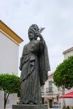 MARBELLA, ANDALUCIA/SPAIN - 6 DE JULHO: Estátua de San Bernabe no miliampère imagem de stock royalty free