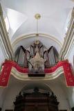 MARBELLA, ANDALUCIA/SPAIN - 23 DE MAIO: Órgão na igreja do fotografia de stock royalty free