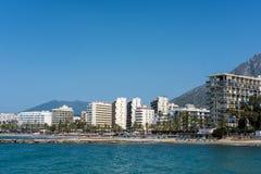 MARBELLA, ANDALUCIA/SPAIN - MAJ 26: Widok linia brzegowa przy Ma Zdjęcie Royalty Free