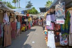 Marbella Hiszpania, Wrzesień, - 1st 2018: Puerto Banus uliczny rynek obrazy royalty free
