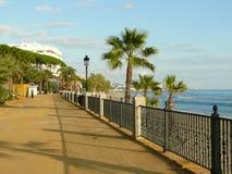 Marbella mening van een voetmanier Stock Afbeeldingen