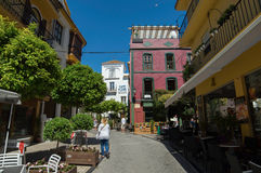 Marbella straat met toeristen Royalty-vrije Stock Afbeelding