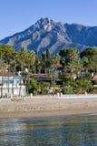 Marbella-Strand auf Costa Del Sol in Spanien Lizenzfreie Stockfotos