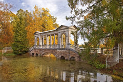 Marble bridge in Tsarskoye Selo (Pushkin), Saint-Petersburg in autumn Stock Images