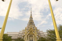 Marble church/temple Wat Sothorn, landmark in Chachoengsao Stock Photography