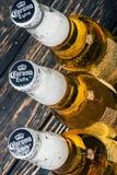 Marca global de la cerveza adicional de la corona imágenes de archivo libres de regalías